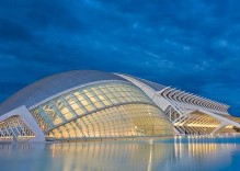 Explore Valencia by Bus Tour